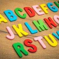 共感覚とは?文字や形に色を感じる原因、特徴をわかりやすく解説